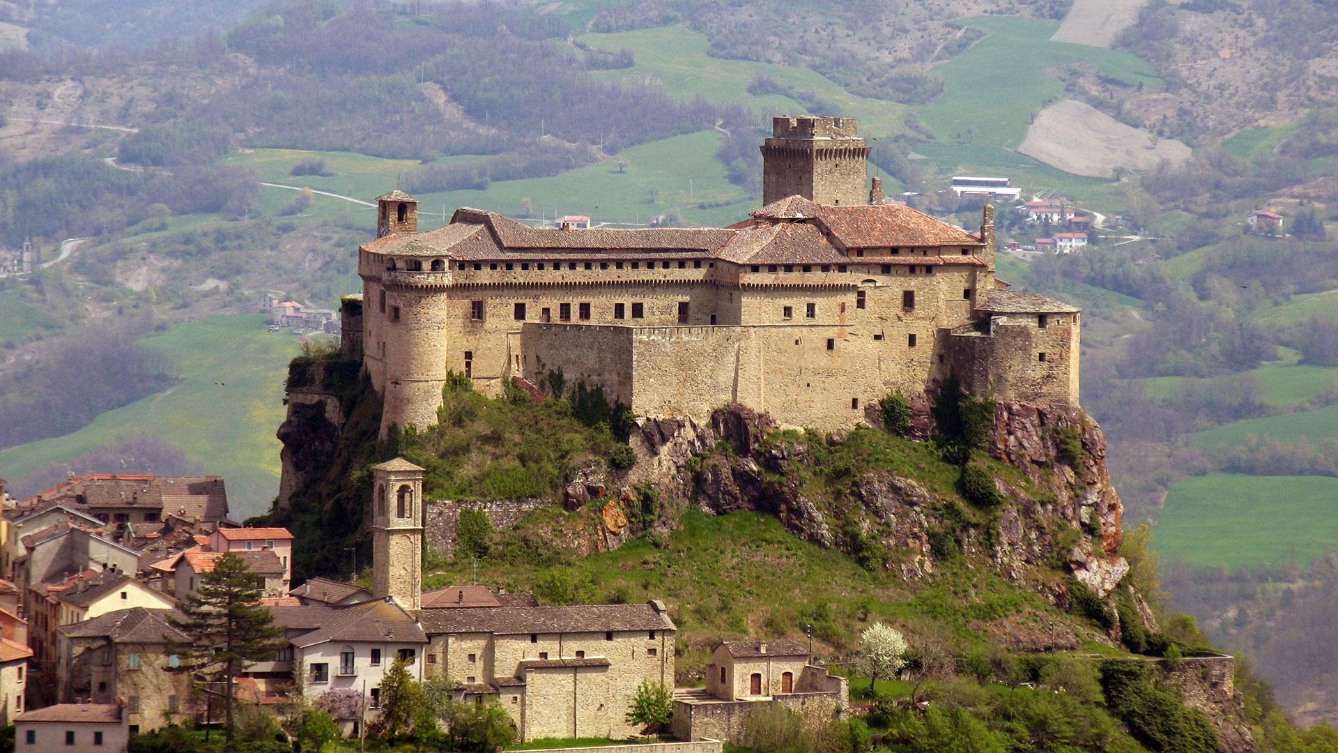 St Martin Castles